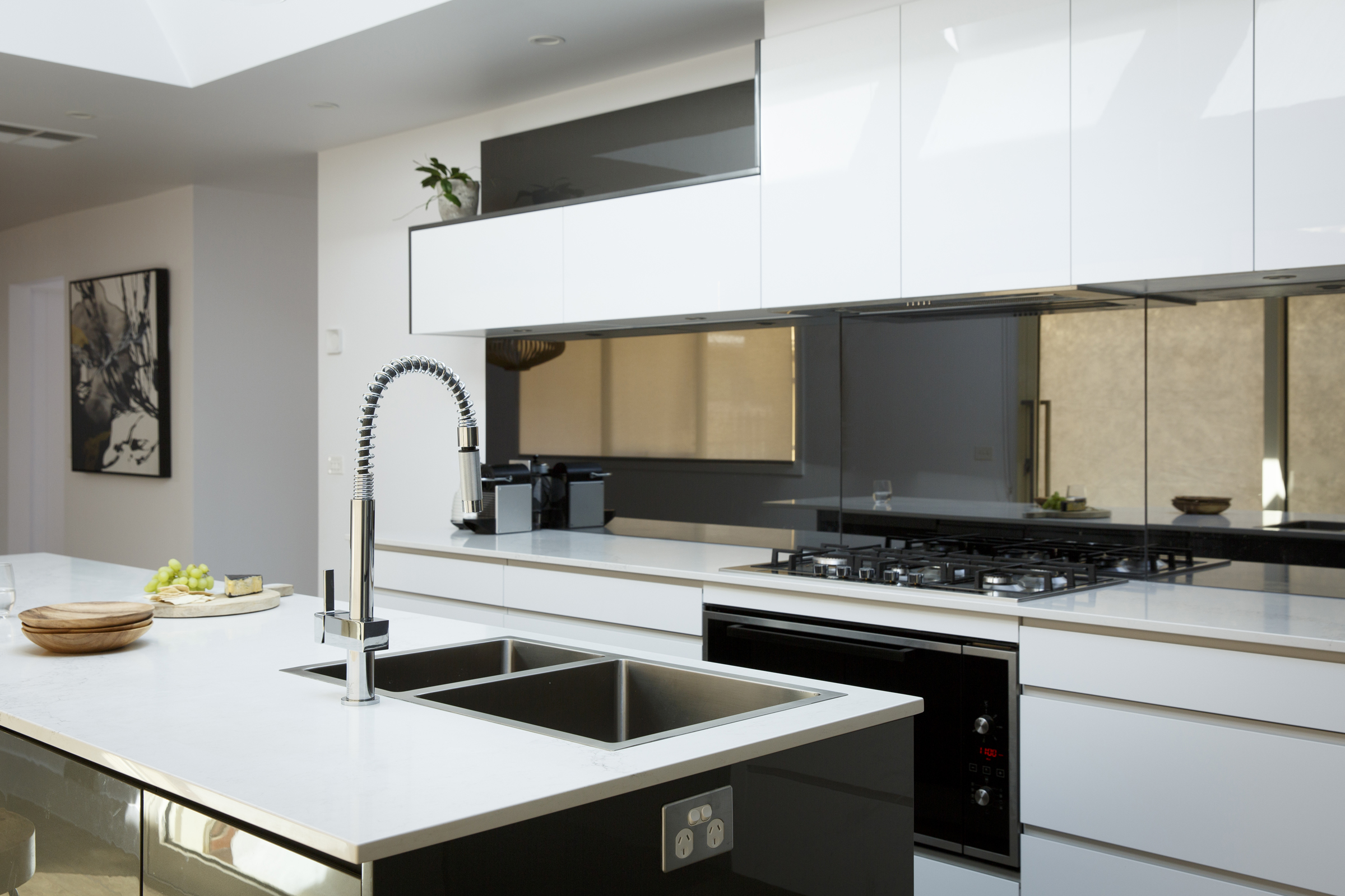 Caesarstone range rover wallspan kitchens adelaide for Kitchen designs newcastle nsw
